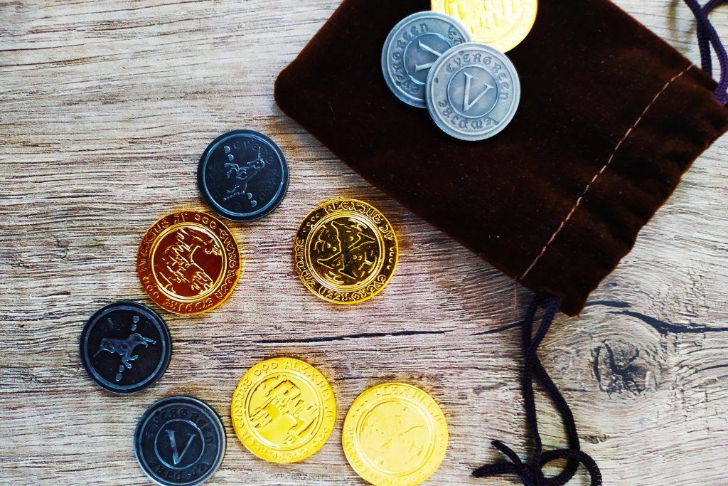 Con el cambio de pesetas a euros, tirar monedas sale más caro.
